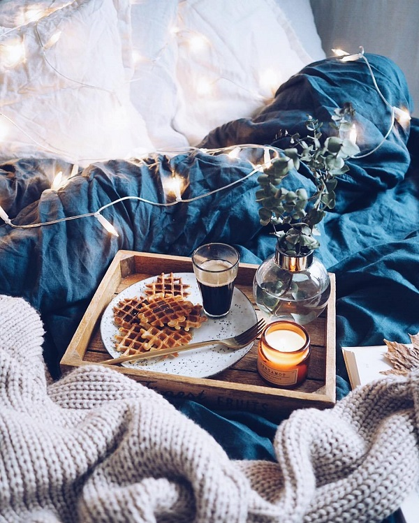 cosy place bedroom fall winter